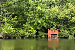The most photographed boat house in Alabama (SeeMidTN.com (aka Brent)) Tags: statepark al alabama desotostatepark boathouse lookoutmountain desotofalls redandgreen littleriver dekalbcounty bmok bmok2