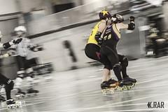 Fighting for the lead ! (K.rar) Tags: sport club belgique roller rocking derby rockin metz charleroi blackland krollers