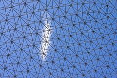 Dans la sphre (Randolph's Art) Tags: canada montral ile muse bleu ciel dome 1967 nuage edifice expositionuniverselle sphre ilesaintehlne