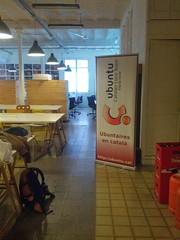 IMG_20140301_103138 (wagafo) Tags: barcelona escola ubuntu  ubuntuaires vision:text=0554 vision:outdoor=0551 ubuntuappdev escoladaplicacions ubuntuappschool appdevschools