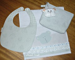 Ki beb (fatimalt) Tags: feltro tecido ursinho babador chaveirinho necessarie toalhinhadeboca conjuntoparabeb artesanatofatimalt