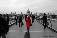 the woman in red (ilfaungo) Tags: uk bridge red bw black london photoshop canon landscape women withe millennium e rosso bianco londra nero biancoenero efs1855
