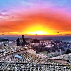 Only for dreamers!! (fedebetti) Tags: italy panorama sun window landscape amazing italia sunny tuscany siena toscana