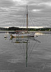 Matin nuageux, sloop  l'abandon, rivire d'Auray (caploncour) Tags: sea mer solitude loneliness abandon voilier sloop golfedumorbihan lebono aurayriver