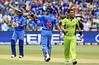 LIVE Ind vs Pak : पाकिस्तान के सामने 301 रन का लक्ष्य, कोहली ने बनाए 107 रन
