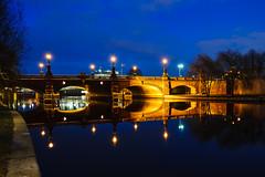 Moltke Bridge :: Moltkebrcke (K.H.Reichert) Tags: bridge reflection berlin architecture night river germany deutschland wasser nightshot architektur brcke fluss spree reflexion spiegelung regierungsviertel blauestunde nachtfoto moltkebrcke