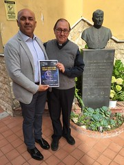 Don Enzo Gallesi della Parrocchia Maria Ss. di Caravaggio di Barra (NA)