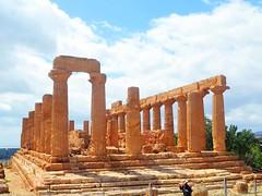 Valley of the Temples - Temple of Giunone 1-1 (Sussexshark) Tags: holiday temple sicily vacanza sicilia juno agrigento valledeitempli valleyofthetemples 2016 giunone