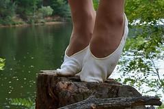 Na paezu (042) (Merman cviky) Tags: ballet socks flat tights socken pantyhose slipper nylon slippers spandex lycra medias nylons balletslippers strumpfhose strumpfhosen ballerinas collant collants cviky ballettschuhe schlppchen ballettschuh ballettschlppchen elastan pikoty punoche