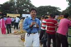 Ganesh Visarjan 2010 (Bangalore) 09 (umakant Mishra) Tags: bangalore hindureligion ganapati visarjana bangaloreevents umakantmishra soubhagyalaxmimishra ganeshvisarjana ursoorlake