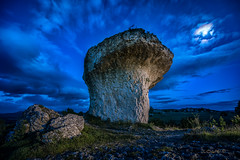 The magic mushroom. (darklogan1) Tags: nightphotography moon mushroom night clouds rocks logan ain palencia castille tuerces darklogan1