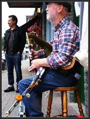 the audience (Maewynia) Tags: music irish cap instrument plaid bagpiper clifden uilleannpipes desshannon httppipersieresourcesinstrument
