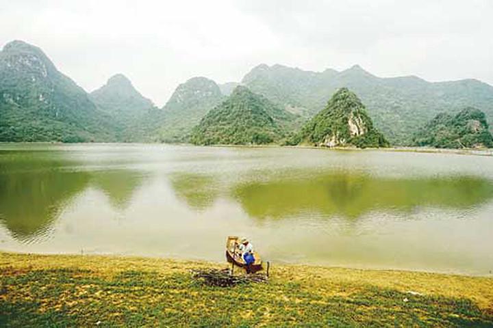 Hồ Tuy Lai.