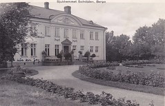 Old postcard Solhjden Berga Sweden 30s (annkarlstedt) Tags: old house building 30 hospital 1930s sweden postcard swedish sverige manor 30s tal svensk 1930 berga gammal gammalt vykort herrgrd byggnad brevkort svenskt lgsjn elsabo trettiotal sjukhem solhjden elgsjn jrnvgmnnens
