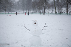 20130120-4233.jpg (peta.ryb) Tags: snow london coffee greenwich january footprints motorbike harleydavidson sledding sledges northgreenwich greenwichpark canningtown o2arena