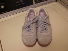CIMG3255 (CallalilyGazer) Tags: pumas dirtyshoes tennisshoes oldshoes stinkysneakers