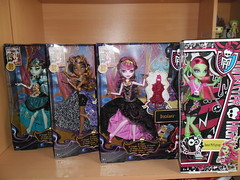 New dolls - 13 Wishes Line and Music Festival Venus (meike__1995) Tags: monster high 13 wishes frankie stein clawdeen wolf draculaura music festival venus mattel 2013 dolls