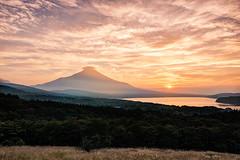 Unforgettable Sunset (Yuga Kurita) Tags: sunset lake beautiful japan landscape japanese fuji dusk fujisan    mtfuji fujiyama   yamanakako