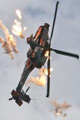 Apache at Sanicole (Spaak) Tags: show airplane apache nikon air sigma airshow helicopter boeing flares vliegtuig vliegshow helikopter leopoldsburg royalnetherlandsairforce koninklijkeluchtmacht sanicole 2013 d80 150500 hechteleksel sigma150500
