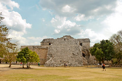 IMG_6794 (NAMI_ALFIE) Tags: chichen itza vision:mountain=07 vision:outdoor=0984 vision:clouds=0846 vision:sky=0884