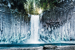 Curved icicles at Abiqua Falls, Oregon [1500x1000][OC] (socynicalsohip) Tags: winter fall oregon waterfall adventure icy reddit abiqua joshuameador ifttt earthpr0n