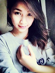 Look at this photo with my awkward hand !! Haha (hottspice_14) Tags: me vanity filipino filipina pinoy vain selfie uploaded:by=flickrmobile denimfilter flickriosapp:filter=denim