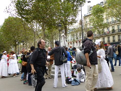 "paris 002 <a style=""margin-left:10px; font-size:0.8em;"" href=""http://www.flickr.com/photos/104703188@N06/13115094784/"" target=""_blank"">@flickr</a>"