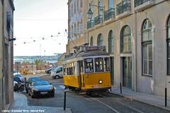Rua Duques de Bragança (ernstkers) Tags: streetcar tram tramvia tranvia trolley carris ccfl lissabon lisboa lisbon lisbonne strasenbahn eléctrico 568 ccfl568 bonde spårvagn