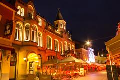 Grotestraat Valkenburg (Tony Verschoor) Tags: nightlife valkenburg grotestraat
