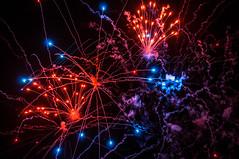 feu d'artifice SBH zoom red (muscapix) Tags: fireworks firework caribbean 31 stbarth antilles feudartifice minuit 31dec caraïbes d300 sbh sbhpicture sbhphoto stbarthpicture 1jan2015 31dec2014