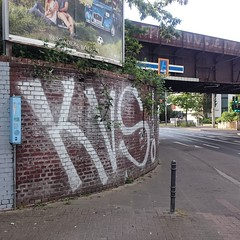 #kvs #graffiti #tag #handstyle #chrome #street #wallsdontlie (wallsdontlie) Tags: street graffiti tag chrome handstyle kvs wallsdontlie