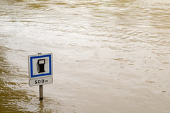 500 m (Not-the-average-Joe) Tags: paris france sign mississippi eiffeltower essence floods overflow crue riverseine stationservice gazoil