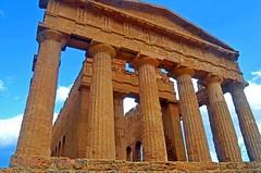 Valley of the Temples - Temple of Concordia 11 (Sussexshark) Tags: holiday temple concordia sicily vacanza sicilia agrigento valledeitempli valleyofthetemples 2016