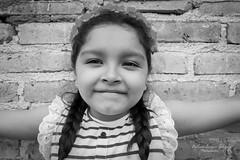 vale... (Berenice Rodriguez) Tags: blancoynegro ella