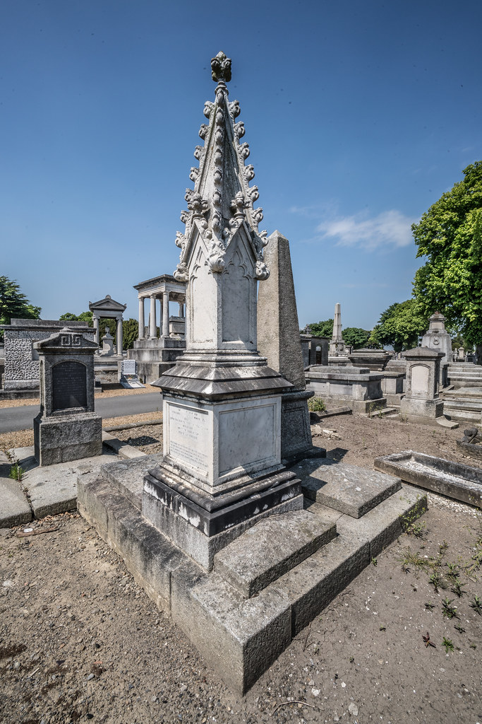 MOUNT JEROME CEMETERY AND CREMATORIUM IN HAROLD'S CROSS [SONY A7RM2 WITH VOIGTLANDER 15mm LENS]-117041