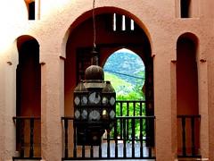 Ombre et lumire (latifalaamri) Tags: nikon lumire ombre maroc chaouen fentre ocre kasbah