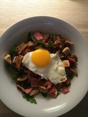 Breakfast Salad (waynealton) Tags: breakfast mushrooms bacon salad egg crispy friedegg cherrytomatoes mixedleaves