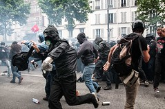 Paris - Grve Gnral (Melissa Favaron) Tags: paris france riot gas strike rosso parigi banlieue sciopero clashes casseur banque blackblok lacrimogeni banche scioperogenerale scioperonazionale grevegeneral 140616 loidutravail grevenational