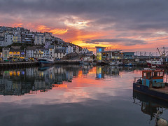 Sunset at Brixham harbour (foto.pro) Tags: sunset sea sky boats coast glow harbour devon brixham