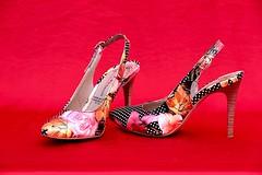 Petits pieds ... (valerierodriguez1) Tags: objet chaussure mode couleur macro canon eos 7d habillement vestimentaire aiguille talon femme
