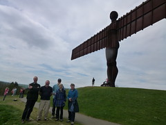 Philip, Les, John, Delyth and Sara at the Angel of the North (John Steedman) Tags: uk greatbritain england unitedkingdom northumberland northeast angelofthenorth grossbritannien theangelofthenorth   grandebretagne