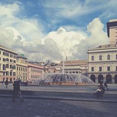 Piazza De Ferrari (elliecioppi) Tags: italy cloud fountain clouds italia place genova piazza cloudporn piazzadeferrari deffe