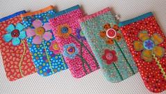 h flores em tudo que eu vejo ... (toda mincia) Tags: quilt handmade artesanato pillow quilting patchwork cushion handbag almofada artesanatoemtecido todaminciatecidotissuefabric todaminciaout2013