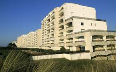 Le Touquet, front de mer (Ytierny) Tags: france horizontal architecture construction moderne btiment letouquet edifice pasdecalais littoral ctedopale frontdemer oyat ytierny