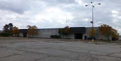 Dead Rolling Acres Anchor (Nicholas Eckhart) Tags: ohio usa abandoned retail america mall dead us closed center oh former stores clearance department wards akron montgomeryward dillards higbees deadmall rollingacres 2013