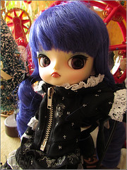 Romina (mertiuza) Tags: blue canon hair is power shot dal powershot wig angry sx500 sx500is