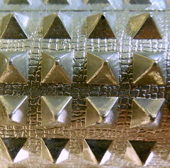 Aluminum  MacroMondays (smacss) Tags: color macro triangle aluminum pyramid roller shape macromondays