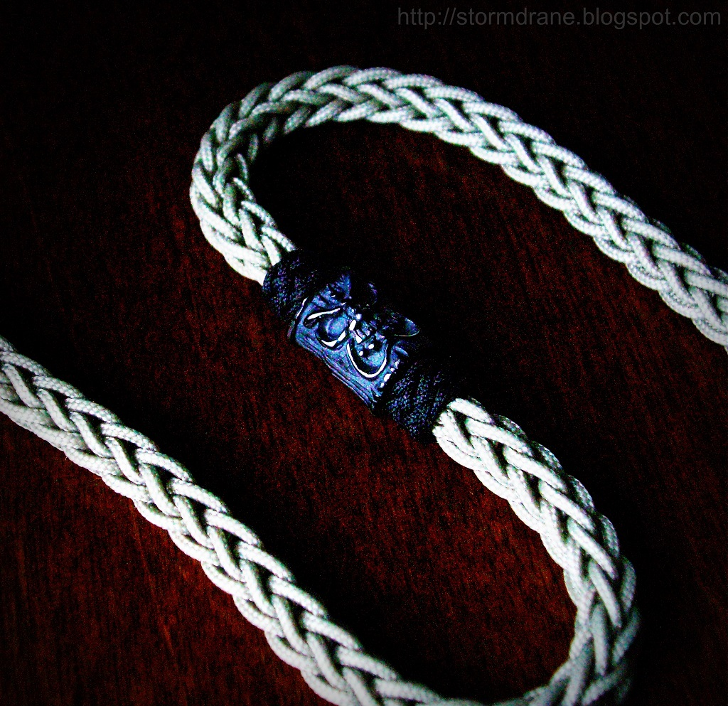 The world 39 s best photos of cord and lanyard flickr hive mind for How to weave a net with string