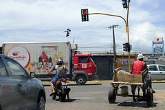 Meios de transportes (Ccero R. C. Omena) Tags: vermelho farol sinal trnsito trfego veculos locomoo semforo