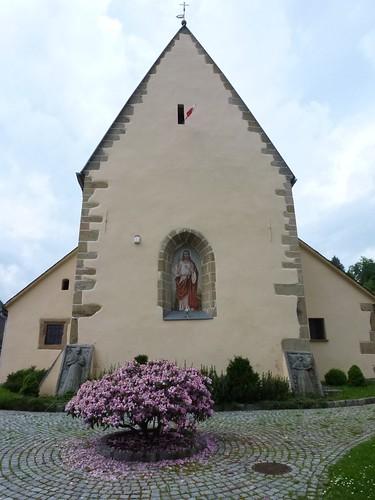 Szczyt wschodni prezbiterium kościoła Przemienienia Pańskiego w Staniszowie